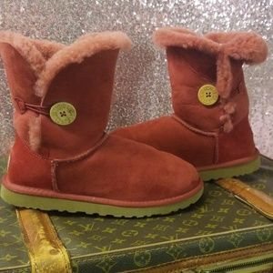 UGG Bailey Button Short Burgundy Boots